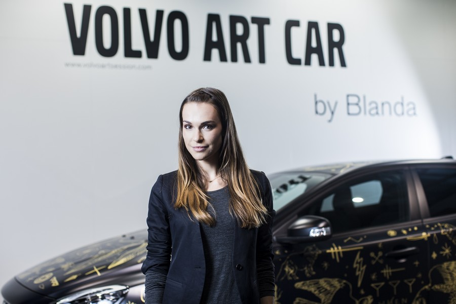Volvo_V40_Art_Car_by_Blanda_Eggenschwiler_2